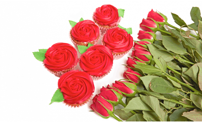 6 Red Rose Valentine's Cupcakes